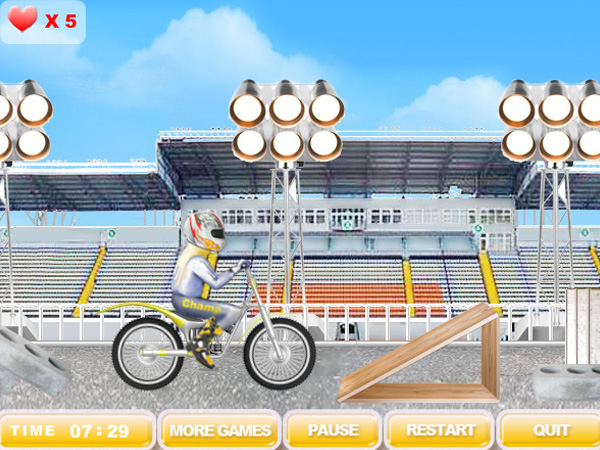 Click to view Crazy Motorbike 1.0 screenshot